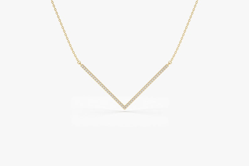 Colier V-day cu diamante